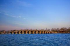 Most w lato pałac Beijing wiosny brzoskwini Zdjęcie Royalty Free
