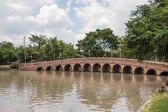 Most w ogrodowym Jatujak parku zdjęcia stock