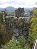 Most w skałach fotografia royalty free