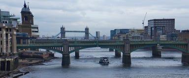 Most w Thames rzece fotografia stock
