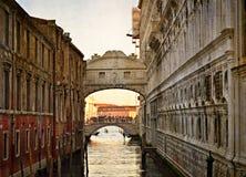 Most westchnienia - Ponte dei Sospiri. Wenecja, Włochy, europe.Photo w starym koloru wizerunku stylu. Zdjęcie Royalty Free