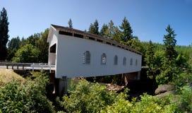 most zakrywający zdjęcia stock