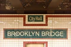 Mosta Brooklyńskiego urzędu miasta stacja metru - Miasto Nowy Jork Zdjęcie Royalty Free