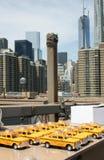 Mosta Brooklyńskiego taxi zdjęcia royalty free
