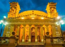 Mosta kupol på natten - Malta Royaltyfri Fotografi