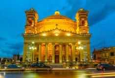 Mosta kupol på natten - Malta Royaltyfria Bilder