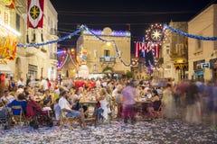 MOSTA MALTA - 15 AUGUSTI 2016: Den Mosta festivalen på natten med att fira maltese folk Royaltyfria Foton