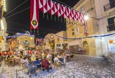 MOSTA MALTA - 15 AUGUSTI 2016: Den Mosta festivalen på natten med att fira maltese folk Royaltyfri Foto