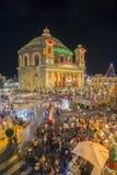 MOSTA MALTA - 15 AUGUSTI 2016: Mosta festival på natten med fa Royaltyfri Fotografi