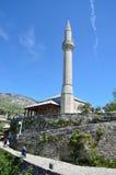 Mostar, Bośnia i Herzegovina, Czerwiec, 23, 2015 Antyczny miasto Mostar Meczetowa aga na iglicie Obraz Stock