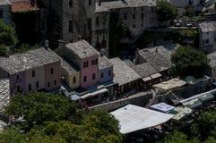 Mostar, Bosnia y Herzegovina, Europa, ciudad vieja, calle, arquitectura, caminando, horizonte, bazar, compras, arquitectura imágenes de archivo libres de regalías