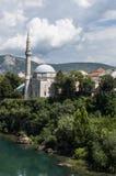 Mostar Bosnien och Hercegovina, Europa, gammal stad, Neretva, flod, islam som går, horisont, moské royaltyfria foton