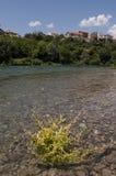 Mostar Bosnien och Hercegovina, Europa, gammal stad, Neretva, flod som rafting, natur, gräsplan, horisont, sport som är utomhus- royaltyfri fotografi