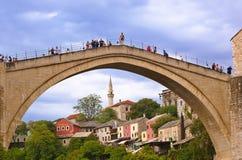 MOSTAR BOSNIEN OCH HERCEGOVINA - SEPTEMBER 05: Hoppa från Arkivbilder