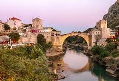 Mostar an der goldenen Stunde stockfotos