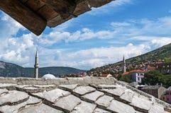 Mostar, horizonte, mezquita, alminar, Bosnia y Herzegovina, Europa, Islam, religión, lugar de culto foto de archivo libre de regalías
