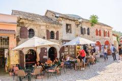 Mostar hus shoppar Arkivfoton