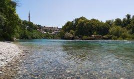 Mostar Neretva, horisont, flod, bro, dal, Bosnien och Hercegovina, Europa som är panorama-, gräsplan royaltyfri bild