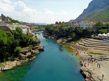 Mostar-Stadt und Neretva Fluss Lizenzfreie Stockfotos