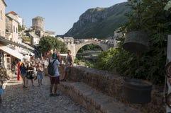Mostar, Stari más, puente viejo, Bosnia y Herzegovina, Europa, ciudad vieja, calle, arquitectura, caminando, horizonte, bazar imagen de archivo
