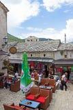 Mostar-Straßen-Café Lizenzfreies Stockbild