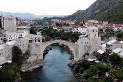 Mostar - vecchio ponte da un altro angolo Fotografia Stock