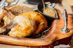 Mostaza asada del pollo y del grano foto de archivo libre de regalías