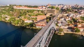 Mosteiro DA Serra font Pilar et jettent un pont sur les DOM luis I au-dessus de la rivière de Douro, Porto, Portugal 17 mai 2017 photo stock