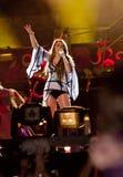 Mostra aciganada do coração de Miley Cyrus em Brasil fotos de stock royalty free