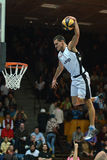 Mostra acrobática do basquetebol Imagens de Stock