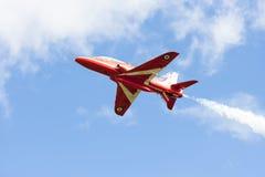 Mostra aerobatic do voo da seta vermelha em Tallinn, Estônia Fotografia de Stock Royalty Free