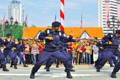 Mostra da arte marcial durante o dia nacional de Malaysia Foto de Stock