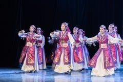 Mostra da Dança-graduação da dança 4-Mongolian do copo do vinho da dança Departmen imagens de stock royalty free