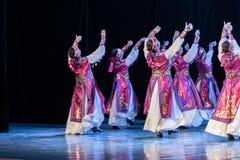Mostra da Dança-graduação da dança 5-Mongolian do copo do vinho da dança Departmen fotos de stock