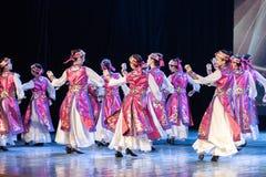 Mostra da Dança-graduação da dança 6-Mongolian do copo do vinho da dança Departmen imagens de stock royalty free