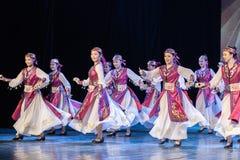 Mostra da Dança-graduação da dança 7-Mongolian do copo do vinho da dança Departmen fotos de stock royalty free