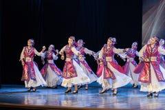 Mostra da Dança-graduação da dança 7-Mongolian do copo do vinho da dança Departmen fotografia de stock royalty free