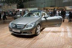Mostra de motor 2009 de Genebra - cupé de Mercedes E 500 imagens de stock royalty free