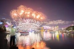 Mostra de Sydney New Year Eve Fireworks fotografia de stock royalty free