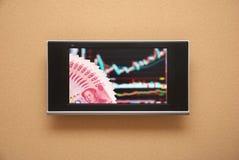 Mostra de tevê do mercado de valores de acção Fotografia de Stock