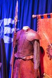 Mostra dei costumi e dei puntelli dal ` The Game di film del ` dei troni nei locali del museo marittimo di Barcellona Immagine Stock Libera da Diritti