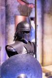 Mostra dei costumi e dei puntelli dal ` The Game di film del ` dei troni nei locali del museo marittimo di Barcellona Fotografia Stock Libera da Diritti