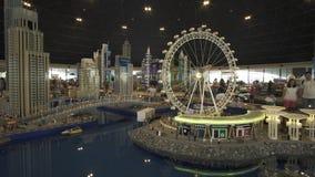 Mostra del porticciolo del Dubai dei modelli fatto dei pezzi di Lego in Miniland Legoland ai parchi ed alle località di soggiorno fotografia stock