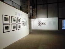 Mostra di fotografia nel centro culturale di Ancona in Italia fotografia stock libera da diritti