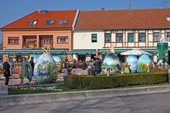 Mostra di grandi uova di Pasqua Immagini Stock Libere da Diritti