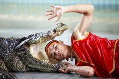 Mostra do crocodilo em Tailândia Fotografia de Stock
