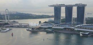 Mostra do laser de Singapura Marina Bay Sand e jardim pela baía Imagem de Stock Royalty Free