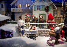 Mostra do Natal de brinquedos mecânicos do luxuoso na loja de Kaufhof em Mari foto de stock royalty free