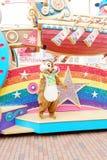 A mostra dos desenhos animados de Walt Disney na parada em paradas de Hong Kong Disneyland fotos de stock royalty free