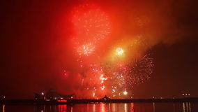 Mostra dos fogos-de-artifício em uma celebração vídeos de arquivo